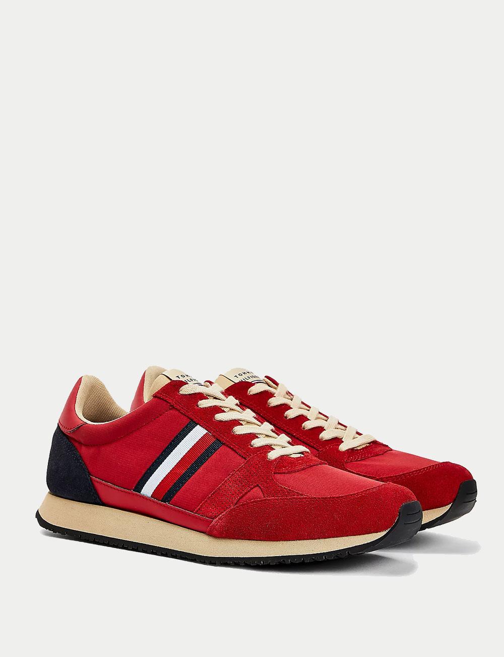 Fête des pères : sneakers rouges vintage pour homme Tommy Hilfiger
